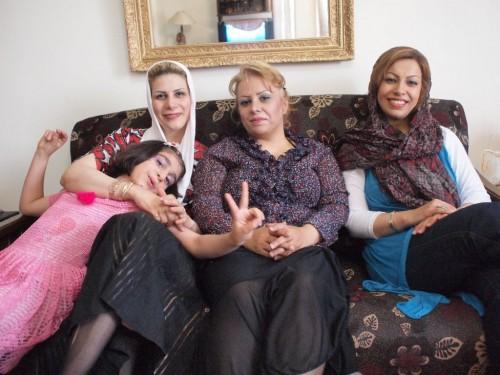 奥様がた、イラン女性はホリ深くカッコいい人が多い