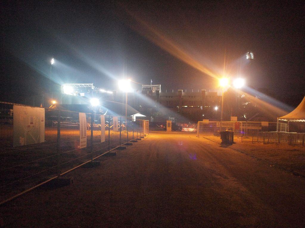 長い長い決戦の日② ~真夜中のスタジアム~