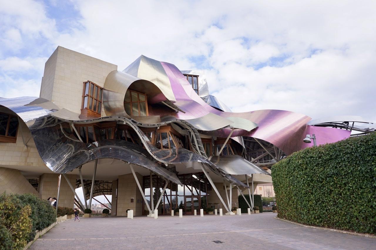 年間10万人が訪れるバスクのワイナリーで考えたローカルツーリズムのこと